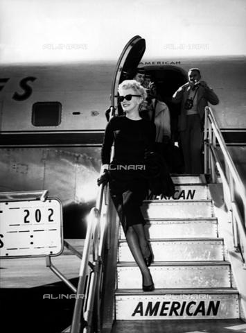 INT-F-039062-0000 - Marilyn Monroe appena arrivata in Arizona - Data dello scatto: 1950-1959 - Interfoto/Archivi Alinari