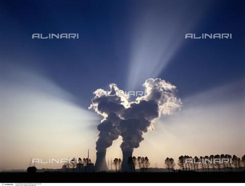 INT-F-041404-0000 - Energia - Centrale termo-nucleare - Data dello scatto: 2003 circa - Interfoto/Archivi Alinari