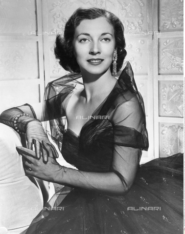 INT-S-000110-5500 - The actress Valentina Cortese in evening dress - Data dello scatto: 1950 ca. - Friedrich / Interfoto/Alinari Archives