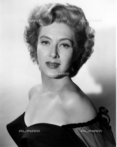 INT-S-000110-5501 - The actress Valentina Cortese in evening dress - Data dello scatto: 1950 ca. - Friedrich / Interfoto/Alinari Archives