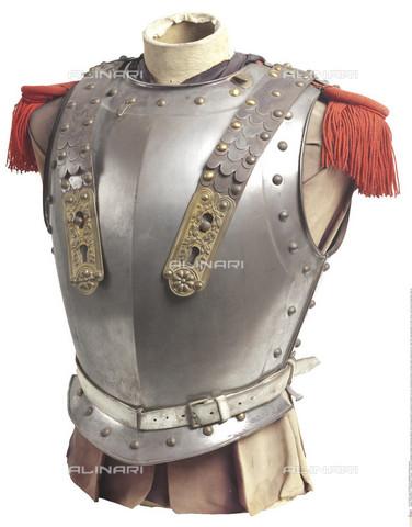 INT-S-003414-5937 - Corazza francese Napoleonica, primo impero, metallo, ottone e argento - HERMANN HISTORICA GmbH / Interfoto/Archivi Alinari