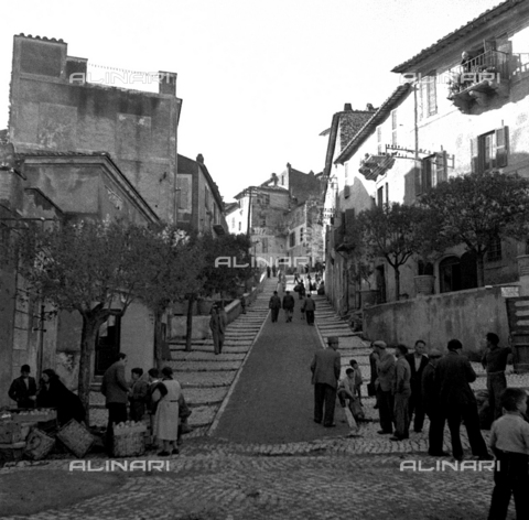 LAA-F-000038-0000 - A steep road in a popular quarter in the environs of Milan