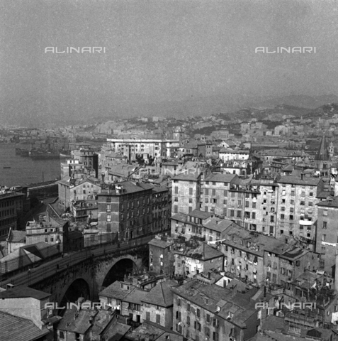 LAA-F-000248-0000 - Panorama of Genoa - Data dello scatto: 1941 - Archivi Alinari, Firenze