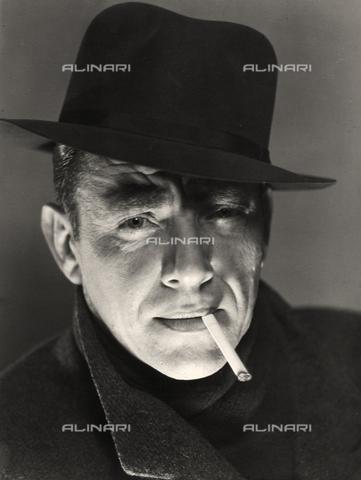 LFA-F-000064-0000 - Ritratto maschile, Venezia - Data dello scatto: 1950 ca. - Archivi Alinari, Firenze