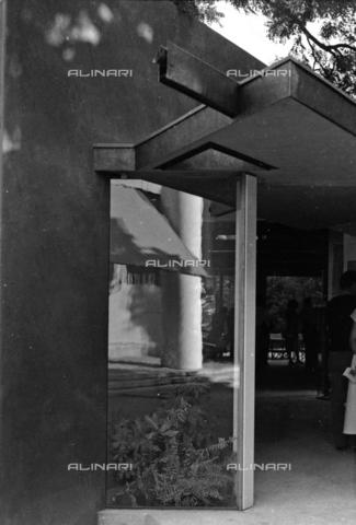 LFA-S-00000F-0517 - Padiglione Italia realizzato da Carlo Scarpa alla Biennale di Venezia - Data dello scatto: 1950 ca. - Archivi Alinari, Firenze