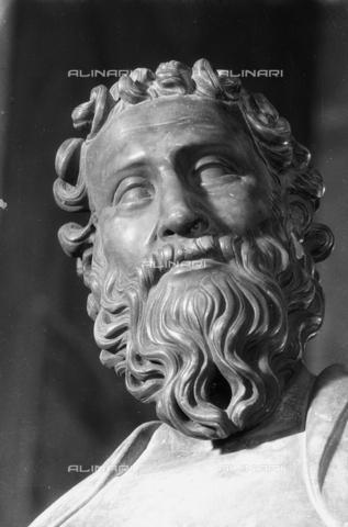 LFA-S-00000H-0704 - Statua di San Bartolomeo (particolare della testa), Torcello, Venezia - Data dello scatto: 1950 ca. - Archivi Alinari, Firenze