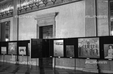 LFA-S-00000Z-0010 - Sala espositiva di una mostra d'arte - Data dello scatto: 1950 ca. - Archivi Alinari, Firenze