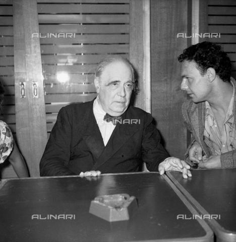 LFA-S-0000B1-0001 - Ritratto maschile, Venezia - Data dello scatto: 1950 ca. - Archivi Alinari, Firenze
