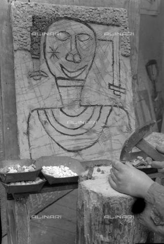 LFA-S-0000O1-0071 - Istituto d'Arte di Venezia: un mosaico realizzato da uno dei ragazzi della scuola - Data dello scatto: 1945 ca. - Raccolte Museali Fratelli Alinari (RMFA)-archivio Leiss, Firenze
