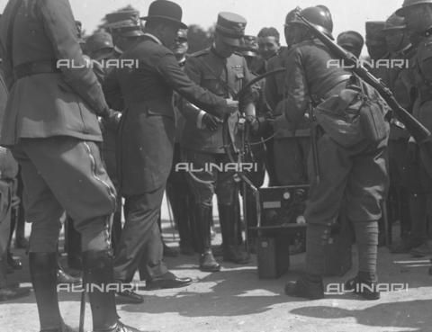 LLA-S-000MM1-0003 - Benito Mussolini (1883-1945) alle manovre terrestri in Abruzzo - Data dello scatto: 1926 - Archivio Luigi Leoni / Archivi Alinari