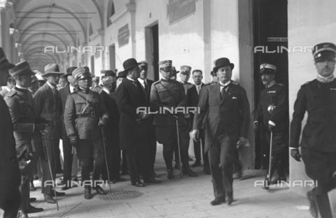 LLA-S-000MM6-0001 - Benito Mussolini (1883-1945) alla caserma Pastrengo durante la Festa dell'Arma dei Carabinieri - Data dello scatto: 05/06/1926 - Archivio Luigi Leoni / Archivi Alinari