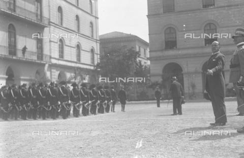 LLA-S-000MM6-0006 - Benito Mussolini (1883-1945) alla Caserma Pastrengo durante la Festa dell'Arma dei Carabinieri - Data dello scatto: 05/06/1926 - Archivio Luigi Leoni / Archivi Alinari