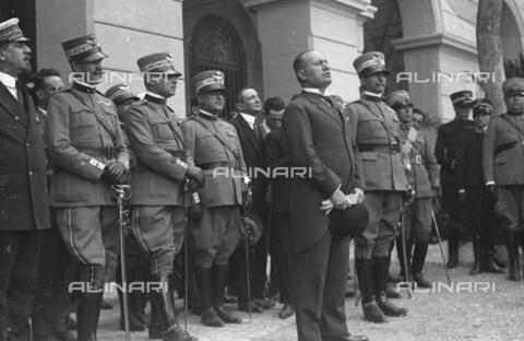 LLA-S-000MM6-0008 - Benito Mussolini (1883-1945) alla Caserma Pastrengo durante la Festa dell'Arma dei Carabinieri - Data dello scatto: 05/06/1926 - Archivio Luigi Leoni / Archivi Alinari