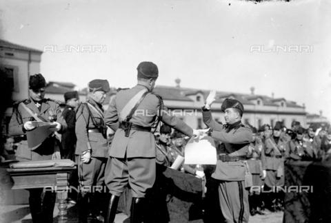 LLA-S-00MM32-0002 - Benito Mussolini (1883-1945) durante la celebrazione dell'anniversario della nascita della Milizia volontaria per la sicurezza nazionale - Data dello scatto: 14/01/1928 - Archivio Luigi Leoni / Archivi Alinari