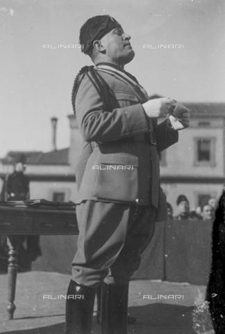 LLA-S-00MM32-0003 - Benito Mussolini (1883-1945) durante la celebrazione dell'anniversario della nascita della Milizia volontaria per la sicurezza nazionale - Data dello scatto: 14/01/1928 - Archivio Luigi Leoni / Archivi Alinari