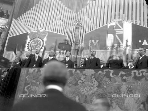 LLA-S-00MM34-0002 - Benito Mussolini (1883-1945) durante il discorso per l'Assemblea Nazionale degli Industriali tenutasi all'Augusteo - Data dello scatto: 22/06/1928 - Archivio Luigi Leoni / Archivi Alinari