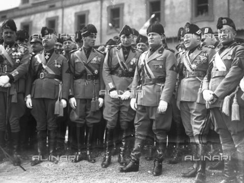 LLA-S-00MM35-0002 - Benito Mussolini (1883-1945) inaugura il comando generale della milizia nel quartiere Parioli - Data dello scatto: 1928 - Archivio Luigi Leoni / Archivi Alinari