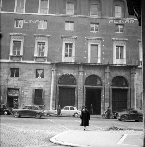 "LLA-S-00X777-0001 - The headquarters of the Communist Party called ""Bottegone"" in via delle Botteghe Oscure in Rome - Data dello scatto: 21/02/1956 - Luigi Leoni Archive / Alinari Archives"