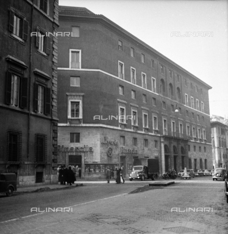 "LLA-S-00X777-0002 - The headquarters of the Communist Party called ""Bottegone"" in via delle Botteghe Oscure in Rome - Data dello scatto: 21/02/1956 - Luigi Leoni Archive / Alinari Archives"