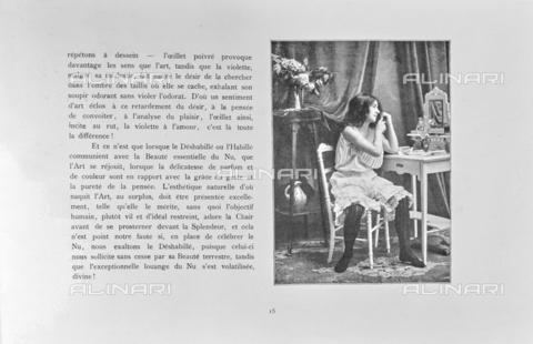 """LVQ-L-000214-P015 - Page with photograph of Woman combing herself in front of the mirror, from the dossier """"Le Deshabillé documentaire. Etude artistique Illustrée de Cent compositions photographiques d'après Nature"""", 1 Fascicule, J. B. de la Hoà¼e, Nouvelle Librairie Artistique 7-9 Rue de la Boà«tie, Paris - Date of photography: 1900-1910 ca. - Fratelli Alinari Museum Collections, Florence"""
