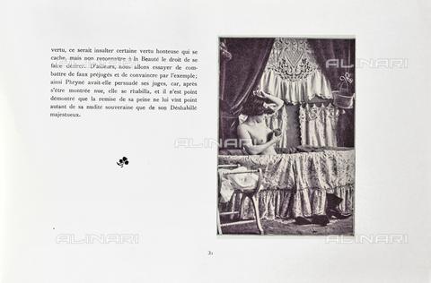"""LVQ-L-000215-P031 - Page with photograph of Woman in the bathtub, taken from the dossier """"Le Deshabillé documentaire. Etude artistique Illustrée de Cent compositions photographiques d'après Nature"""", 2 Fascicule, J. B. de la Hoà¼e, Nouvelle Librairie Artistique 7-9 Rue de la Boà«tie, Paris - Date of photography: 1900-1910 ca. - Fratelli Alinari Museum Collections, Florence"""