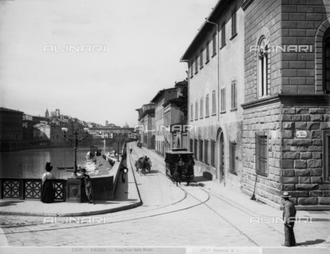 MAA-F-001350-0000 - View of Florence: in the foreground, a corner of Ponte alle Grazie at the intersection with Via de'Benci. In the background, the Old Bridge
