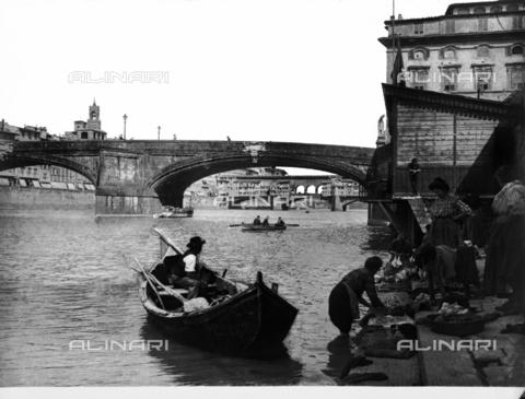 MAA-F-01355A-0000 - Ponte Santa Trinita, Florence