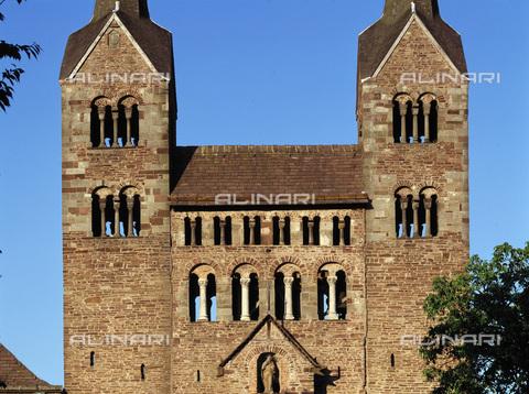MBA-F-023301-0000 - Particolare della facciata ovest della chiesa di San Veit (San Vito) dell'abbazia di Corvey vicino Hoxter - Jochen Helle / Bildarchiv Monheim / Archivi Alinari