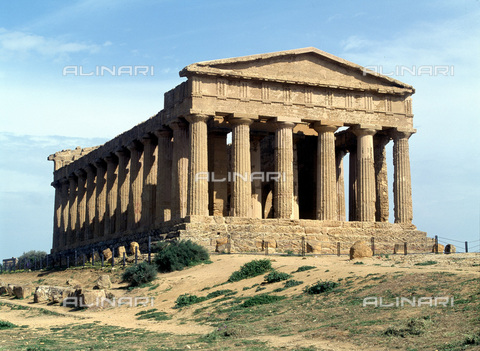 MBA-F-028239-0000 - Temple of Concordia, Valley of the Temples (UNESCO World Heritage Site, 1998), Agrigento - Schtze-Rodemann / Bildarchiv Monheim / Alinari Archives
