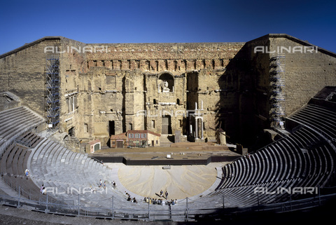 MBA-F-032188-0000 - Roman theater of Arausio in Orange, Provence - Achim Bednorz / Bildarchiv Monheim / Alinari Archives