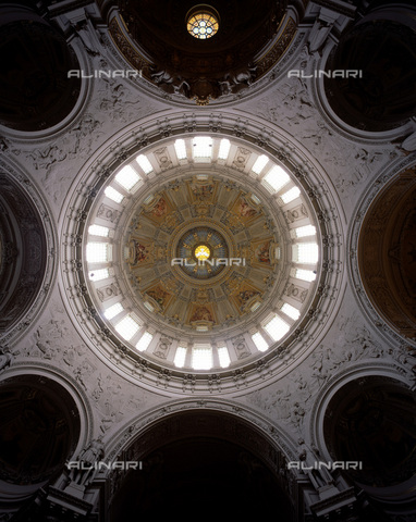 MBA-F-060100-0000 - View of the dome of the Berlin Cathedral - Florian Monheim / Bildarchiv Monheim / Alinari Archives
