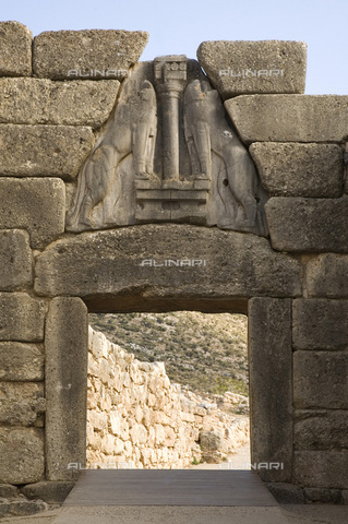 MBA-F-065822-0000 - The main access to the Acropolis of Mycenae with the gate of the Lions - Achim Bednorz / Bildarchiv Monheim / Alinari Archives
