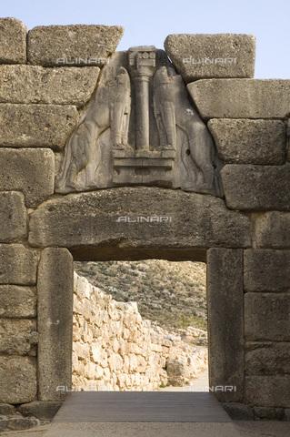MBA-F-065822-0000 - L'accesso principale all'Acropoli di Micene con la porta dei Leoni - Achim Bednorz / Bildarchiv Monheim / Archivi Alinari