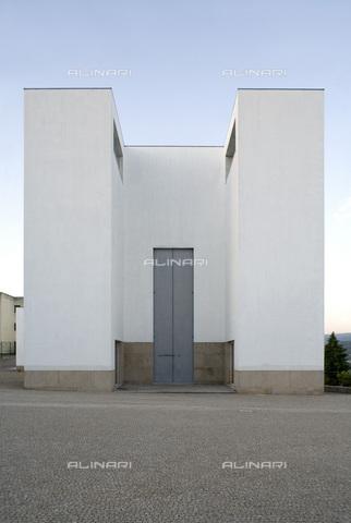MBA-F-065952-0000 - Chiesa di Santa Maria a Marco de Canavezes, opera dell'architetto Alvaro Siza (1933-) - Achim Bednorz / Bildarchiv Monheim / Archivi Alinari