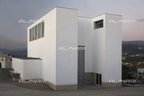 MBA-F-065953-0000 - Church of Santa Maria in Marco de Canavezes, by the architect Alvaro Siza (1933-) - Achim Bednorz / Bildarchiv Monheim / Alinari Archives