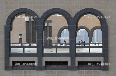 MBA-F-068657-0000 - Particolare dell'esterno del Museo delle Arti Islamiche a Doha progettato da I. M. Pei (1917-) - Data dello scatto: 08/08/2009 - Jochen Helle / Bildarchiv Monheim / Archivi Alinari