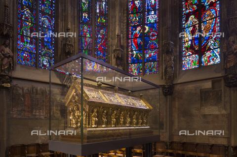 MBA-F-085289-0000 - Sarcofago di Carlo Magno conservato nel coro della Cattedrale di Aquisgrana - Florian Monheim / Bildarchiv Monheim / Archivi Alinari