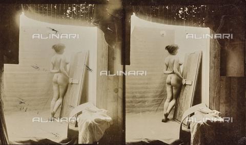MFA-F-000122-0000 - Female naked. Stereoscopic image - Data dello scatto: 1890-1910 ca. - Archivi Alinari, Firenze