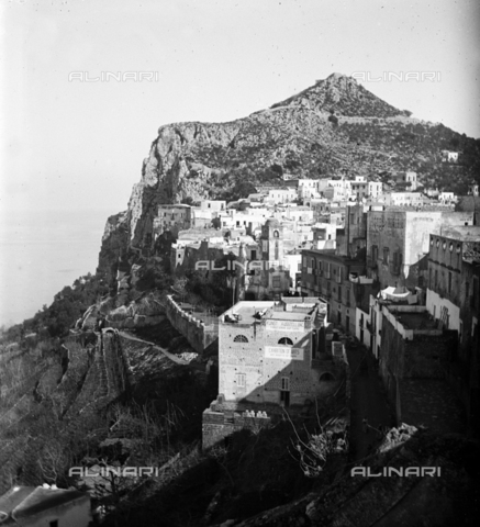 MFA-S-0SN310-000D - View of a village in Sicily - Data dello scatto: 1900 ca. - Archivi Alinari, Firenze