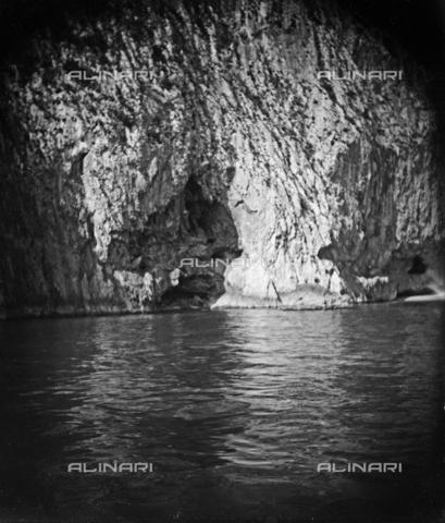 MFA-S-0SN315-000D - Seascape with rocks - Data dello scatto: 1900 ca. - Archivi Alinari, Firenze