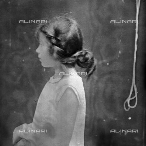 MFA-S-0SN422-000S - Portrait of Aurelia Michetti - Data dello scatto: 1897 - Archivi Alinari, Firenze