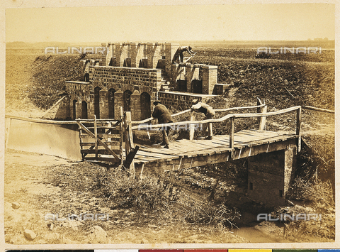 MFC-A-004631-0012 - Grosseto (environs). Lock in operation - Date of photography: 1863 ca. - Fratelli Alinari Museum Collections-Malandrini Collection, Florence