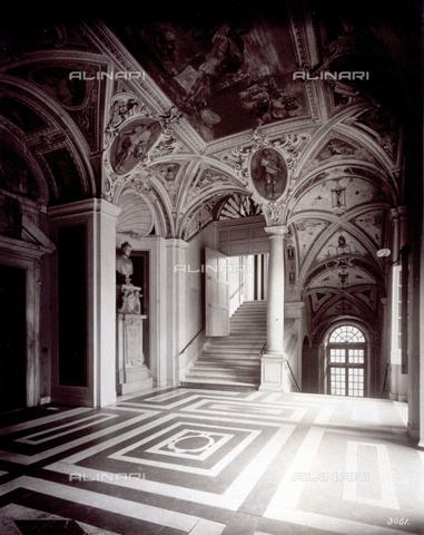 MFC-A-004642-0013 - An inner vestibule in Palazzo Lercari Parodi in Genoa - Data dello scatto: 1870-1880 ca. - Archivi Alinari, Firenze