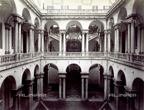 MFC-A-004642-0017 - The courtyard and loggia of the University Building in Genoa - Data dello scatto: 1870-1880 ca. - Archivi Alinari, Firenze