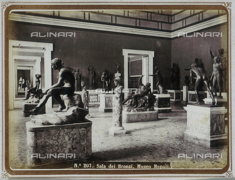 MFC-A-004645-0007 - Hall of Bronzes, The Archaeological Museum of Naples - Data dello scatto: 1860-1865 ca. - Archivi Alinari, Firenze
