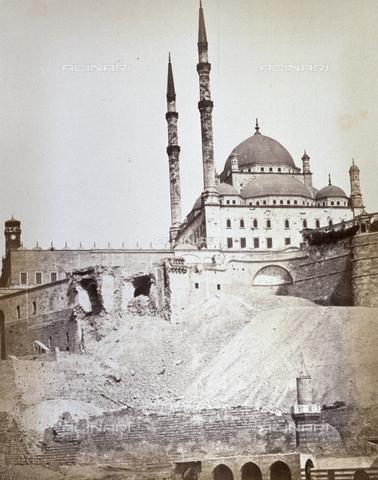 MFC-A-004677-0030 - Scorcio della gigantesca moschea di Muhammad Ali o 'Moschea d'Alabastro' al Cairo - Data dello scatto: 1870-1880 ca. - Raccolte Museali Fratelli Alinari (RMFA)-collezione Malandrini, Firenze