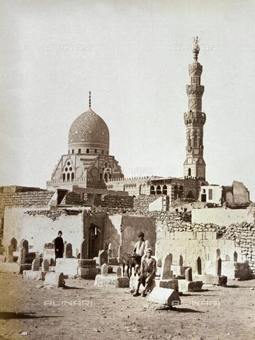 MFC-A-004677-0040 - Veduta del Mausoleo di Khayr Bey al Cairo - Data dello scatto: 1870-1880 ca. - Raccolte Museali Fratelli Alinari (RMFA)-collezione Malandrini, Firenze