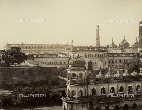 MFC-A-004678-0042 - Veduta panoramica del Bara Imambara nei pressi di Lucknow - Data dello scatto: 1863-1870 ca. - Raccolte Museali Fratelli Alinari (RMFA)-collezione Malandrini, Firenze