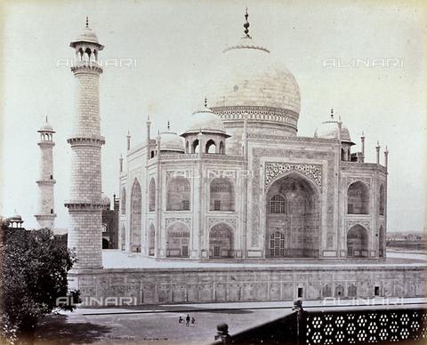 MFC-A-004678-0045 - Suggestiva veduta del Taj Mahal presso Agra - Data dello scatto: 1863-1870 ca. - Raccolte Museali Fratelli Alinari (RMFA)-collezione Malandrini, Firenze