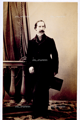 MFC-F-000370-0000 - Full-length portrait of man in day dress - Date of photography: 1865-1872 - Fratelli Alinari Museum Collections-Malandrini Collection, Florence